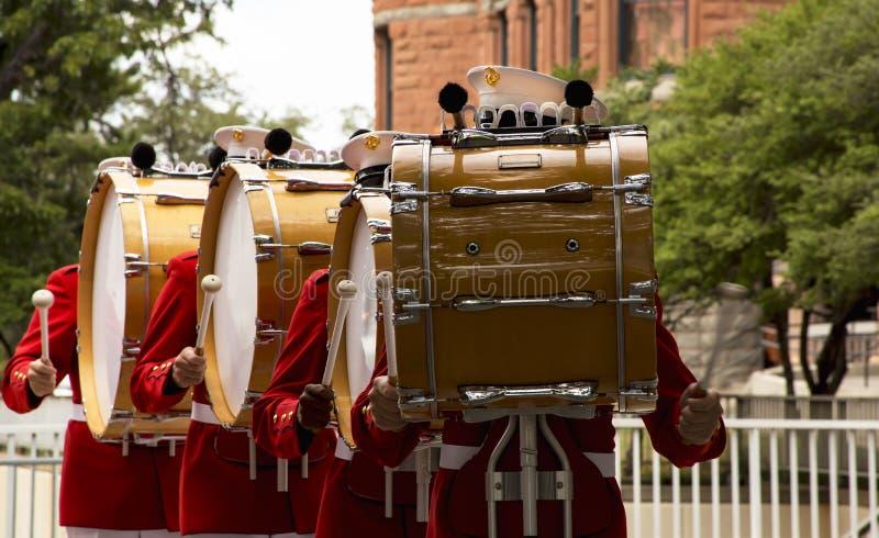 Drumline μπαντών Στρατεύματος Πεζοναυτών στοκ εικόνες