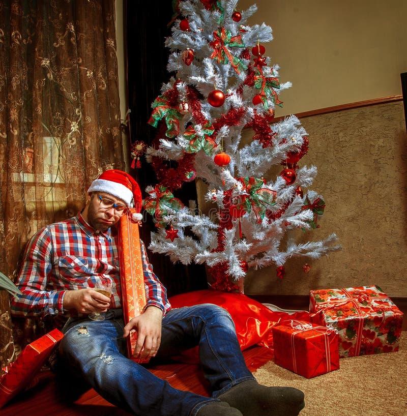Résultats de recherche d'images pour «drunk under christmas tree»
