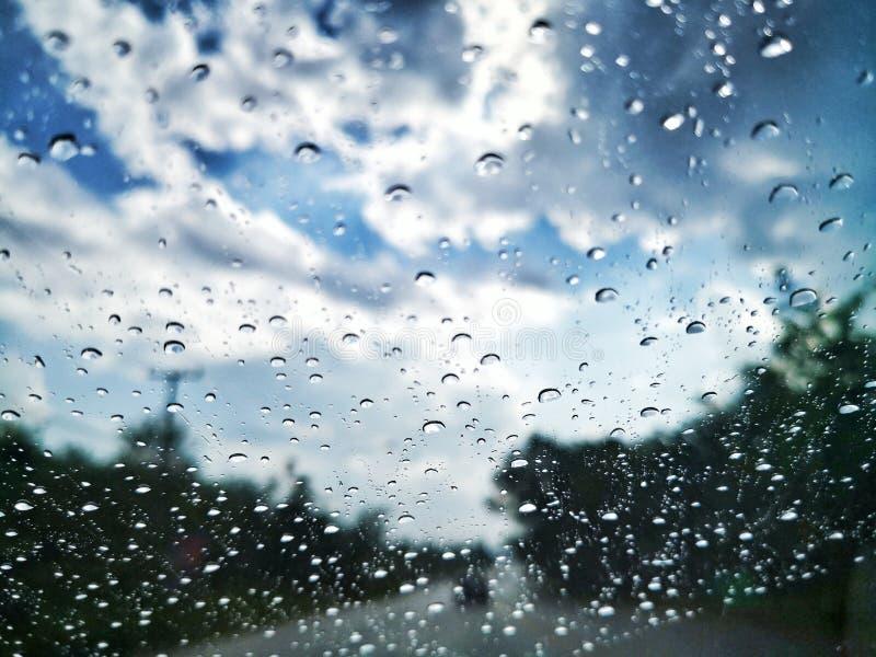 Druppel†regendruppels ‹ stock afbeelding