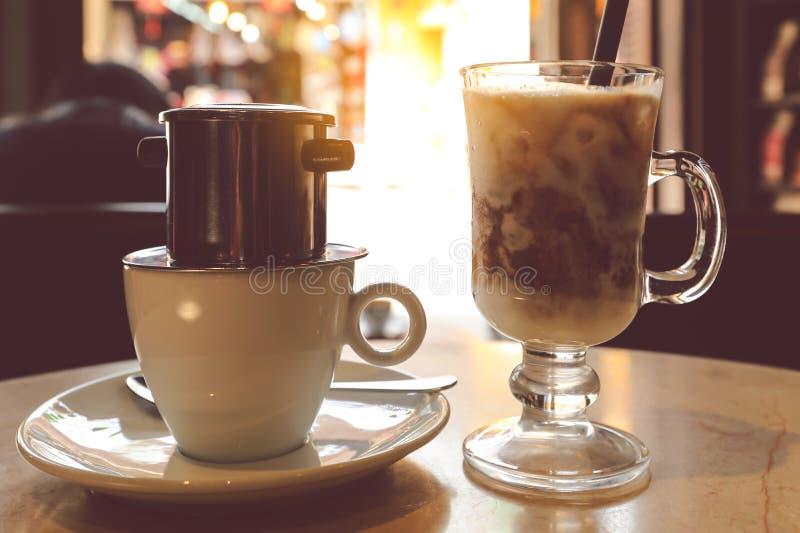 Druppel Zwarte Koffie in Vietnamese stijl stock afbeelding