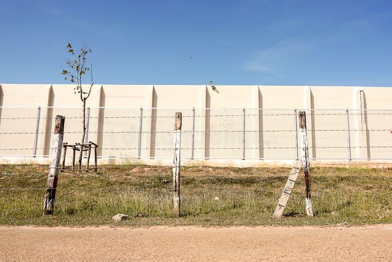 Drut kolczasty bariera zapobiegać więźnia więzień fotografia royalty free