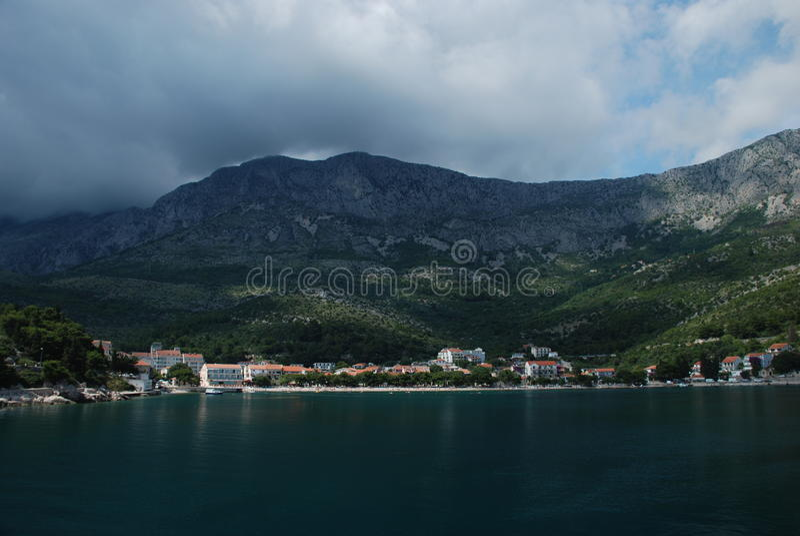 Drvenik,从海的看法 免版税库存照片