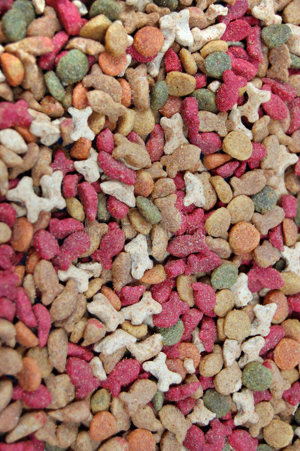 Dry feed for pets