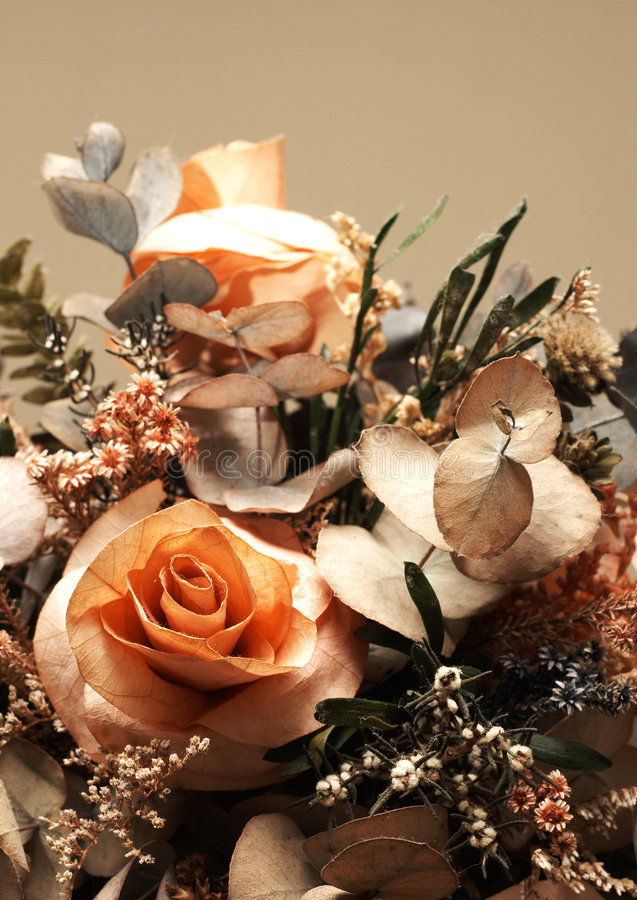Free Dry Flower Bouquet With Roses Royalty Free Stock Photos - 5508668