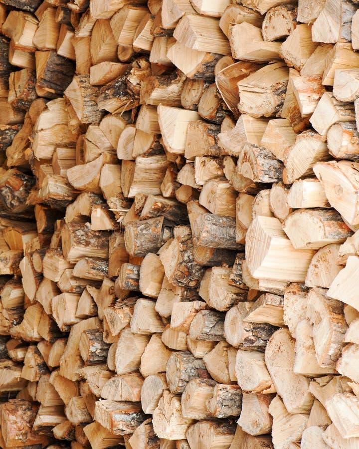 Dry högg av vedträ loggar in en hög royaltyfria bilder