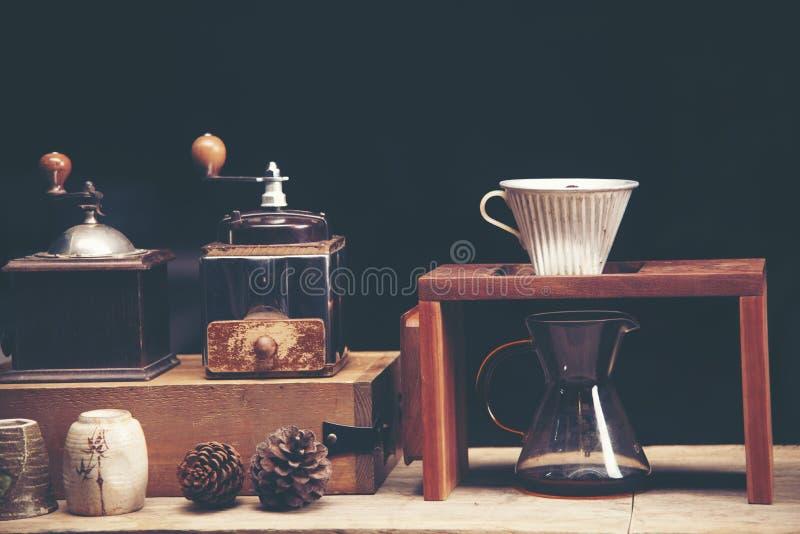 Drypa glass satser för kaffe på cafeterian på coffee shopkafét dis royaltyfria foton