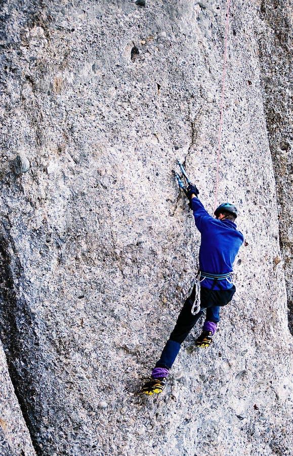 Download Drytool Die In Costila Beklimt Stock Foto - Afbeelding bestaande uit climbing, beklim: 31226