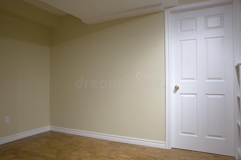 Drywall na renovação do porão imagens de stock