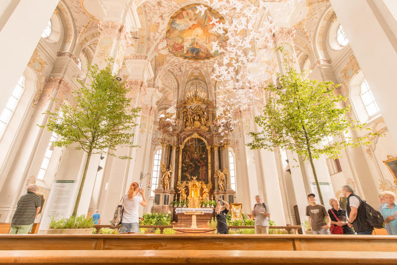 Drzewa w kościół obraz royalty free