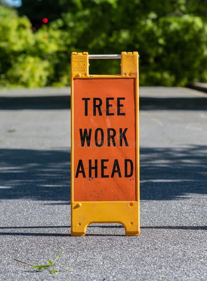 Drzewna praca Naprzód Składa znaka zdjęcia stock