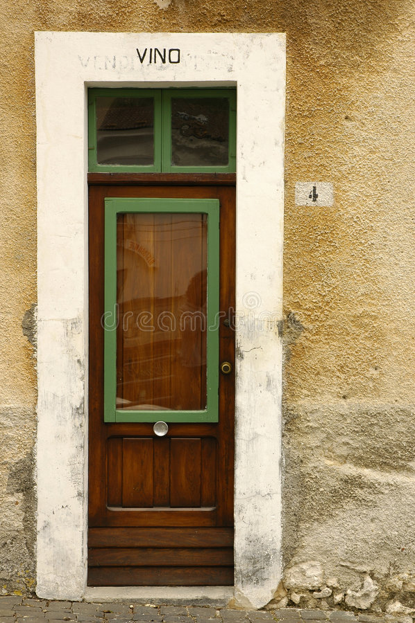 Download Drzwi 03 zdjęcie stock. Obraz złożonej z kamień, drewno - 35550