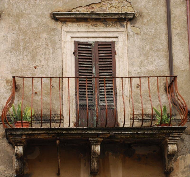 drzwi balkonowy Toskanii fotografia royalty free