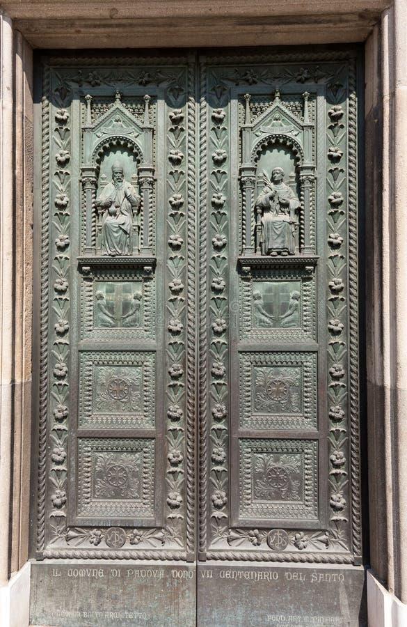 Drzwi bazylika święty Anthony w Padua fotografia royalty free