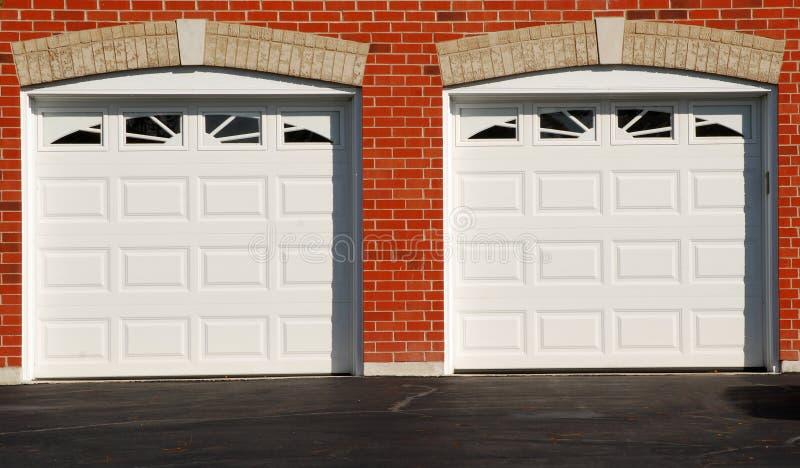 drzwi garaż dwa obrazy royalty free