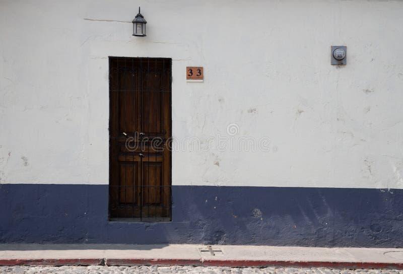 Drzwi i wej?cia w Antigua Gwatemala fotografia stock