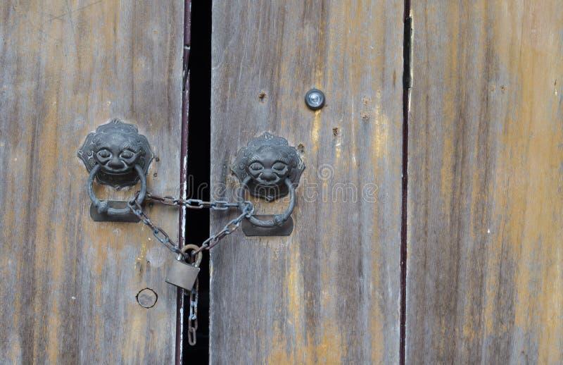 drzwi klucza kędziorka mistrza stary drewno obraz stock