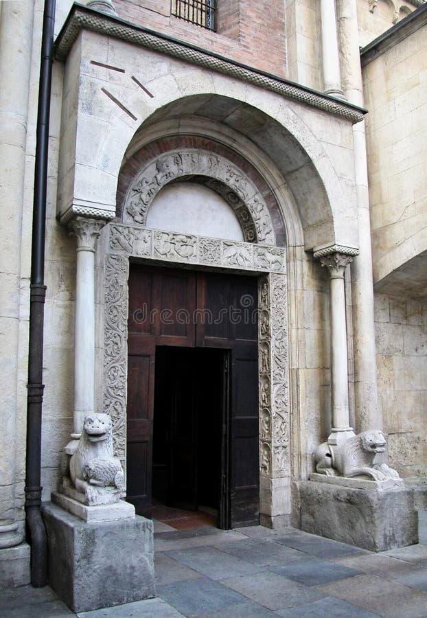 Drzwi Pescheria, porta della pescheria Katedra w Modenie Włochy obrazy royalty free