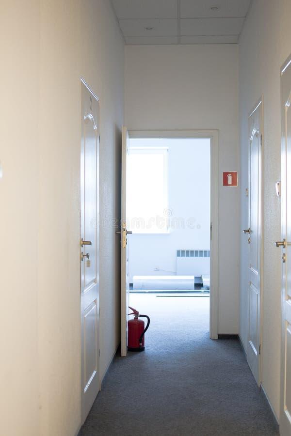 Drzwi podpierali gasidło zdjęcia stock