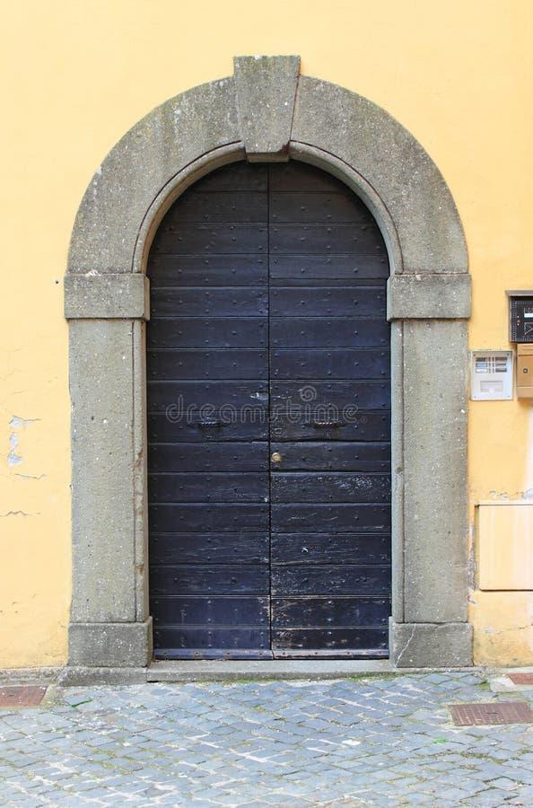 drzwi ?redniowieczny frontowy obrazy stock