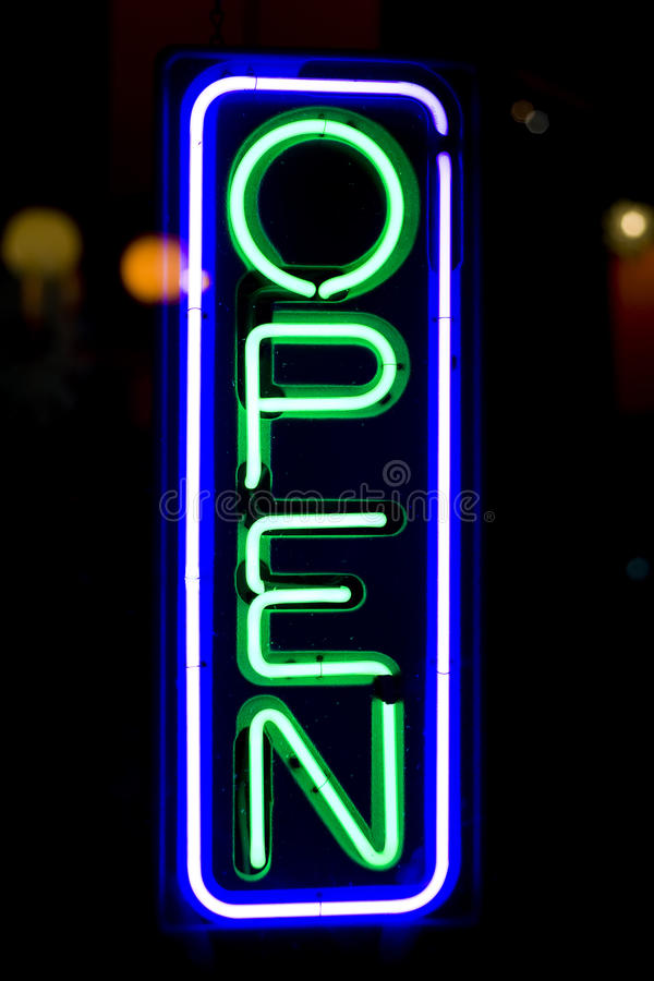 drzwi sklep otwarty szyldowy obraz royalty free