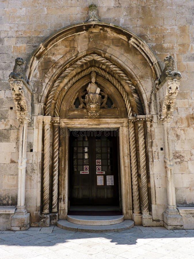 Drzwi St Mark's Sveti Marko Katedralna katedra, Korcula, Chorwacja zdjęcia royalty free