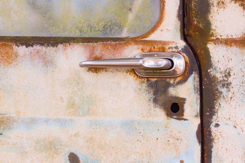 Drzwi starej, zardzewiałej ciężarówki obrazy royalty free