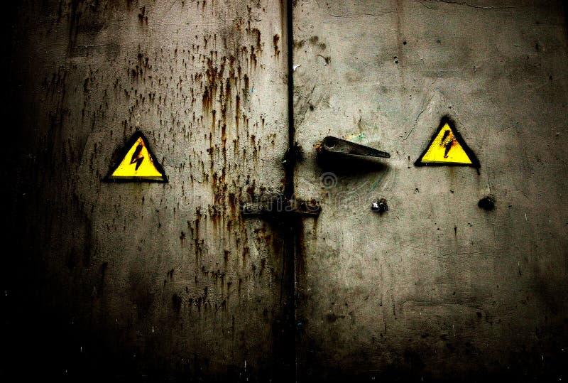 Download Drzwi stary grungy rusty zdjęcie stock. Obraz złożonej z znaki - 41284
