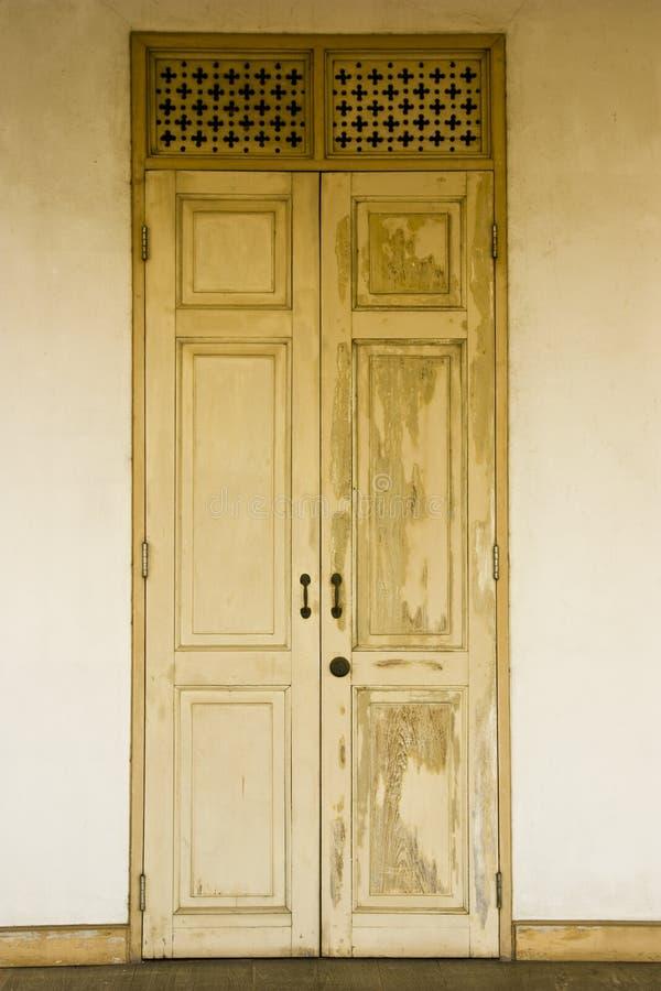 drzwi tekowi zdjęcie stock