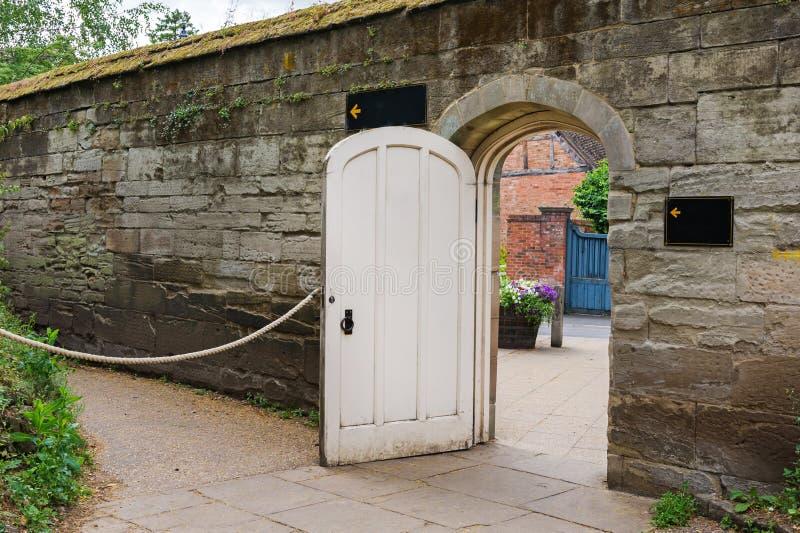 Drzwi w ścianie obraz royalty free