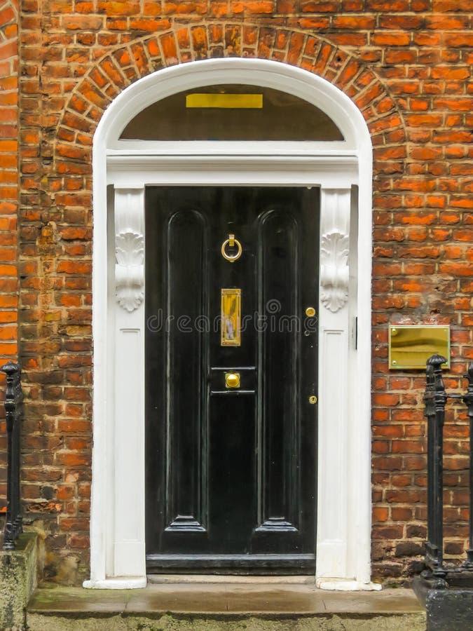 Drzwi w georgian domu Dublin obraz stock