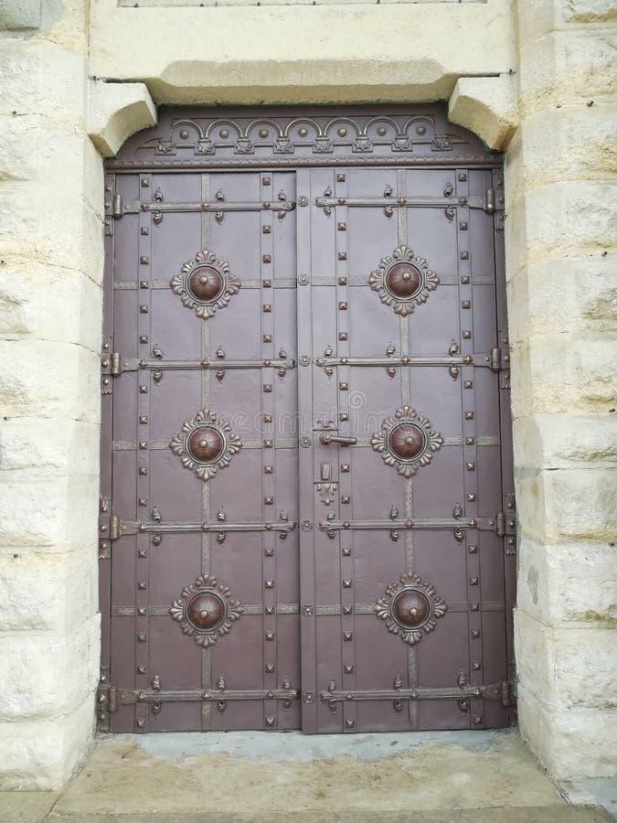 Drzwi w kościół Lviv Ukraina fotografia royalty free