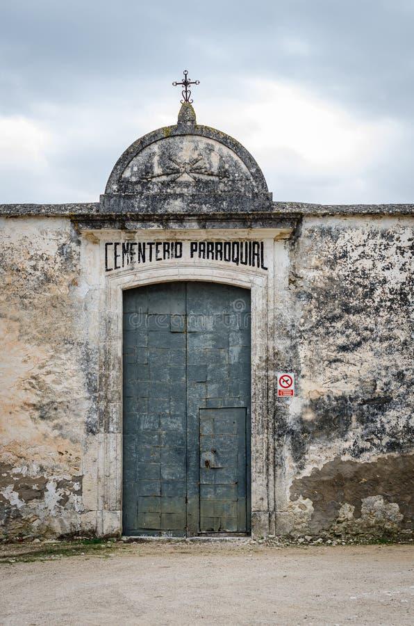 Drzwi wejściowe do cmentarza Bocairent w Alicante Hiszpania fotografia stock