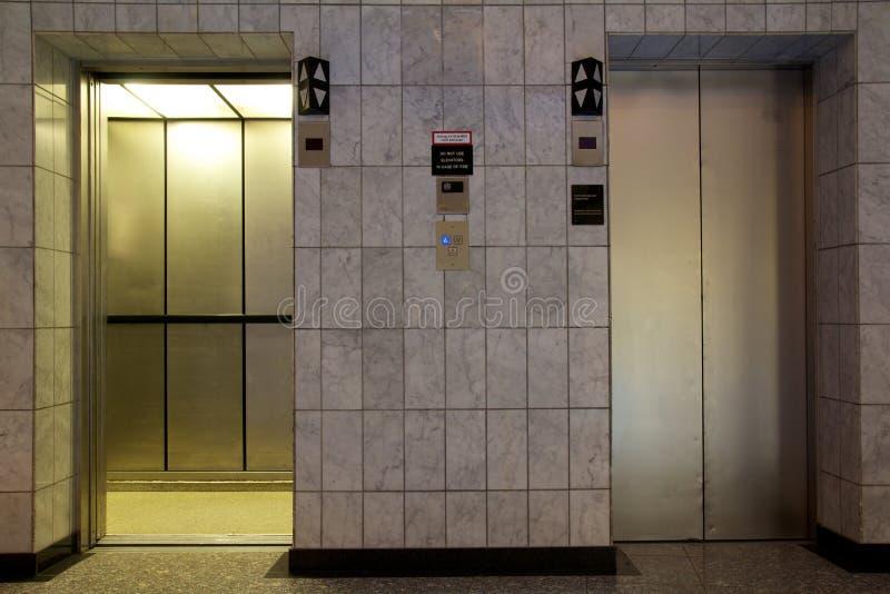 drzwi winda zdjęcia royalty free
