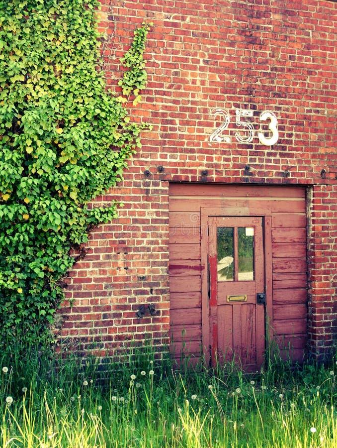 Drzwi Zaniechana stacja obraz royalty free