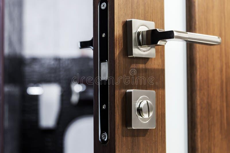 Drzwiowa rękojeść i zapadka mosiądz zdjęcia stock