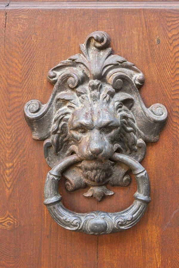 Drzwiowego knocker zbliżenie fotografia royalty free