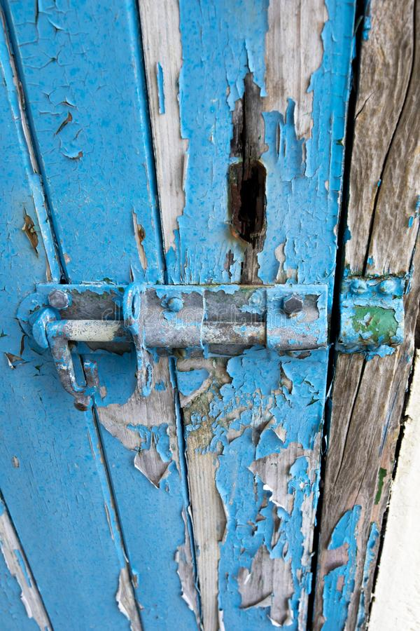 Drzwiowy rygiel z płatkowania paintwork obraz stock