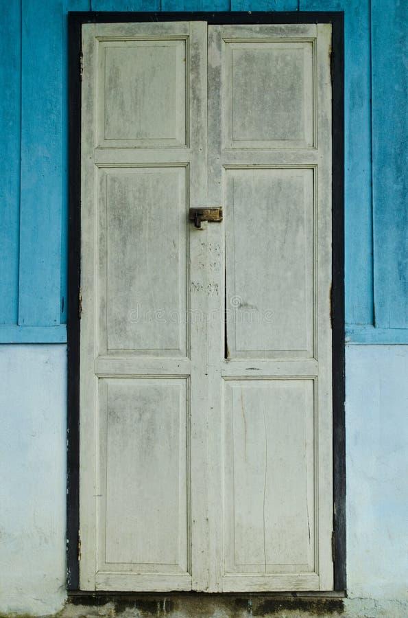 drzwiowy stary biel zdjęcia royalty free