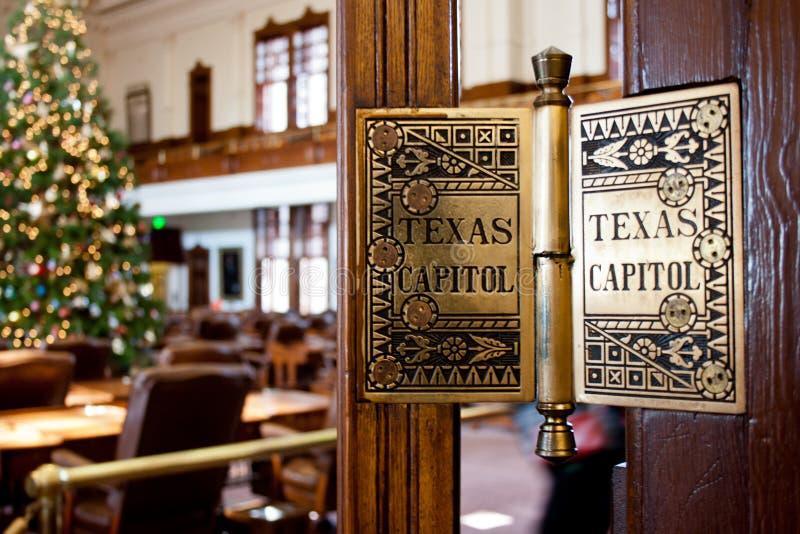 Drzwiowy zawias przy Teksas stanu Capitol Buduje Austin Teksas zdjęcia royalty free