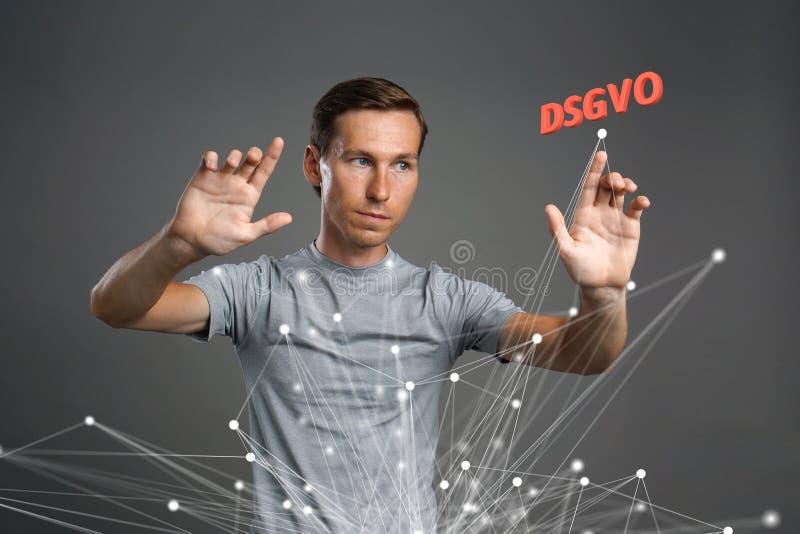DSGVO, γερμανική εκδοχή GDPR, εικόνα έννοιας Γενικός κανονισμός προστασίας δεδομένων, προστασία των προσωπικών στοιχείων άτομο στοκ φωτογραφία με δικαίωμα ελεύθερης χρήσης