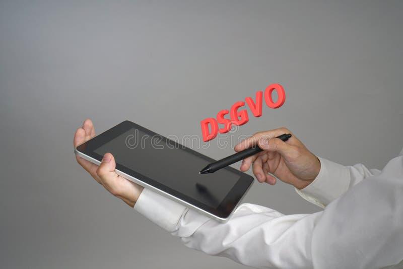 DSGVO, γερμανική εκδοχή GDPR, εικόνα έννοιας Γενικός κανονισμός προστασίας δεδομένων, προστασία των προσωπικών στοιχείων άτομο στοκ φωτογραφία