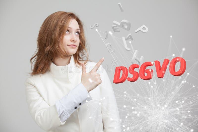 DSGVO, немецкая версия GDPR, изображение концепции Общая регулировка защиты данных, защита личных данных Молодые стоковые фото