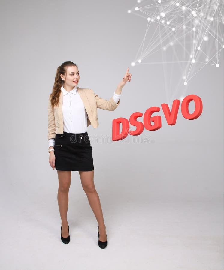 DSGVO, Duitse versie van GDPR, conceptenbeeld Algemene Gegevensbeschermingverordening, bescherming van persoonsgegevens jong stock fotografie