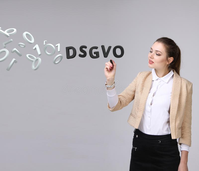 DSGVO, Duitse versie van GDPR, conceptenbeeld Algemene Gegevensbeschermingverordening, bescherming van persoonsgegevens jong stock afbeeldingen