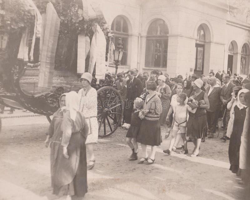 DT00006 WĘGRY OKOŁO 1920-30 ceremonia pogrzebowa obraz royalty free
