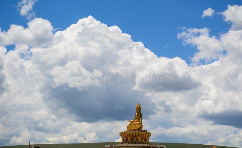 Duży Buddha w Garze tybetańczyku, Chiny obrazy royalty free