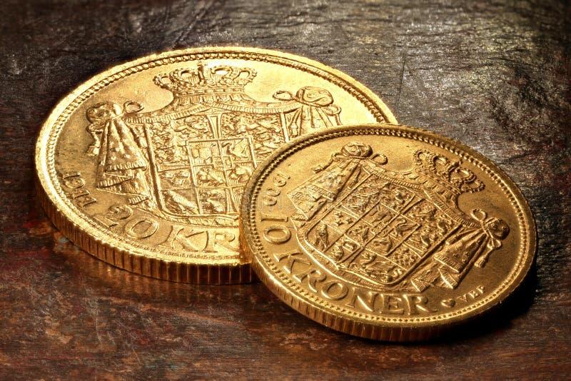 Duńskie złociste monety zdjęcie royalty free