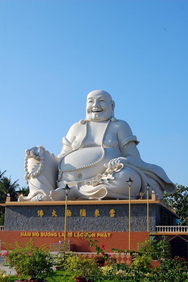 Duża Buddha statua przy świątynią w Phan Thiet, Wietnam zdjęcia royalty free