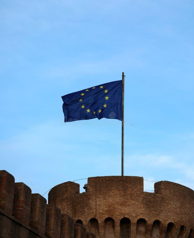 Duża europejczyk flaga na wierza zdjęcie stock