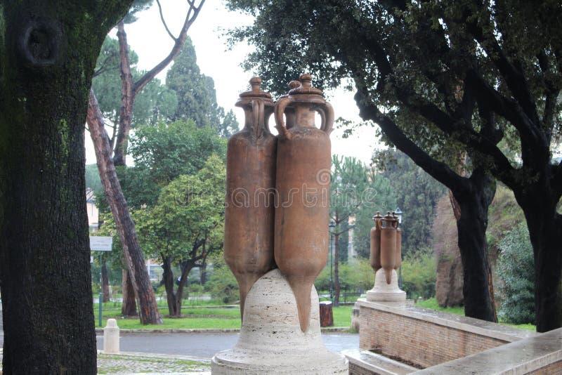 Duża miotacz rzeźba W parku W Rzym zdjęcie royalty free